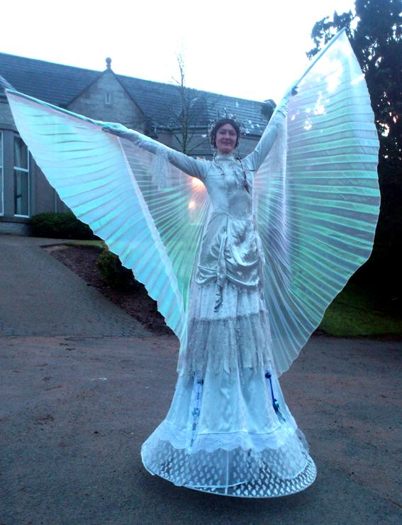 crowdpuller/Stiltwalker_Angel_Circus_Scotland.jpg