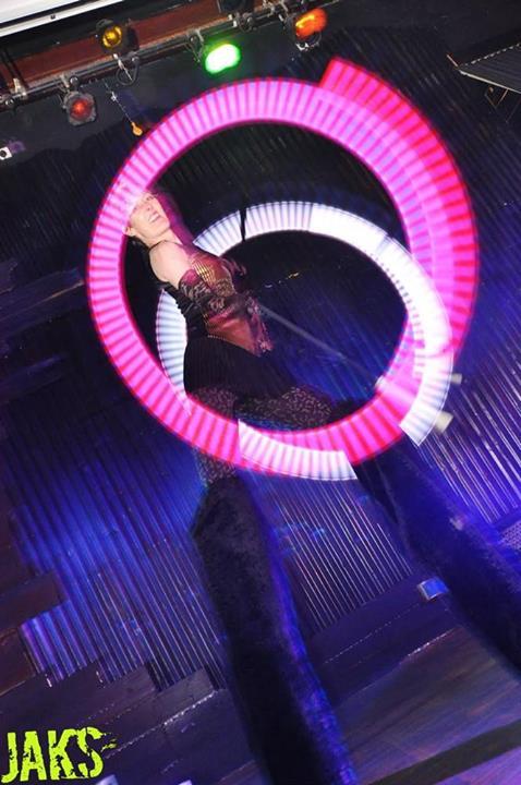 crowdpuller/Glow_Stilt_dancer_circus_scotland.jpg