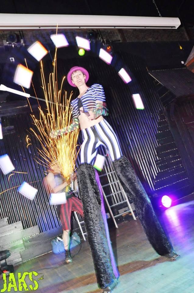 crowdpuller/Glow_Stiltwalker_Circus_Scotland_2017.jpg